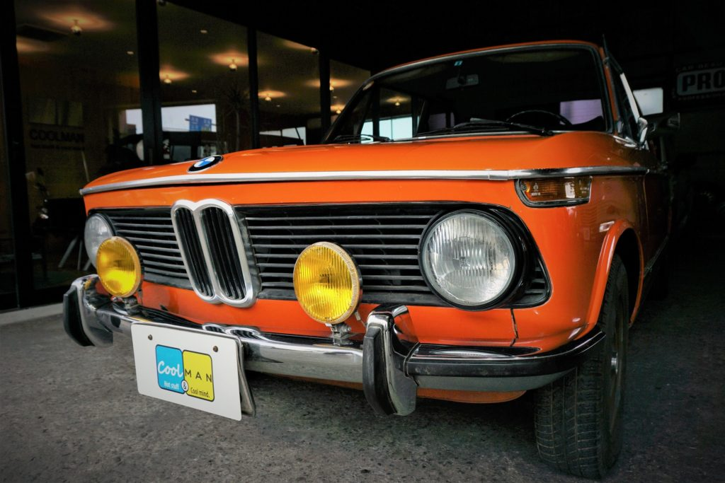 BMW2002のフロントの写真