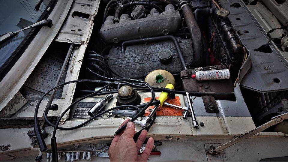 BMW2002ターボのエンジンルーム