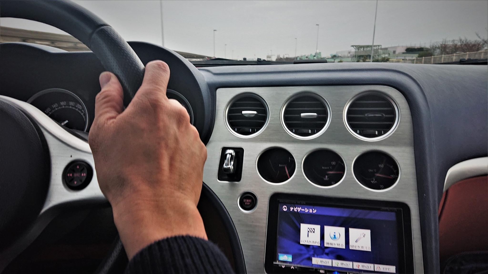 アルファロメオ・ブレラ運転席画像